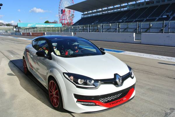 record-megane-rs-trophy-suzuka