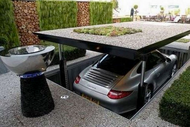 garage exterieur-voiture-caché-insolite