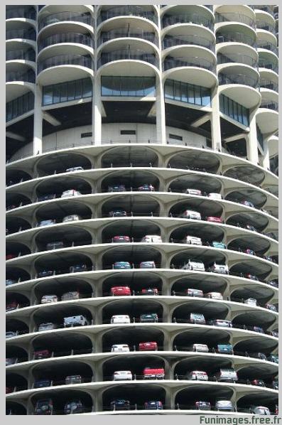 plus gros parking insolite