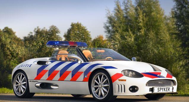 voiture de police pays bas vehicule insolite policier