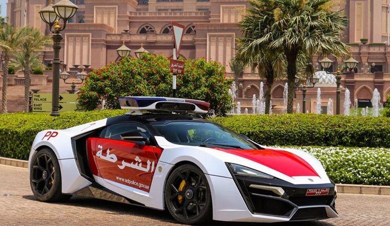 Vehicule de police abu dhabi lykan hypersport