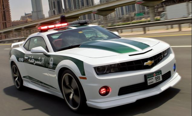 Voiture police dubai insolite rapide camaro ss