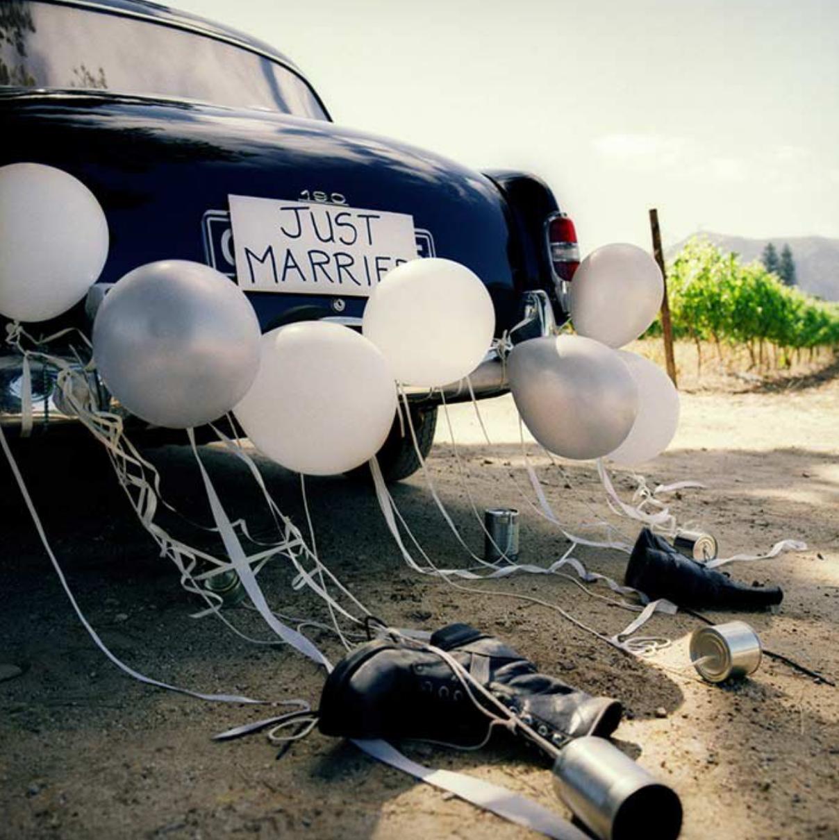 décoration pour voiture mariage ballon