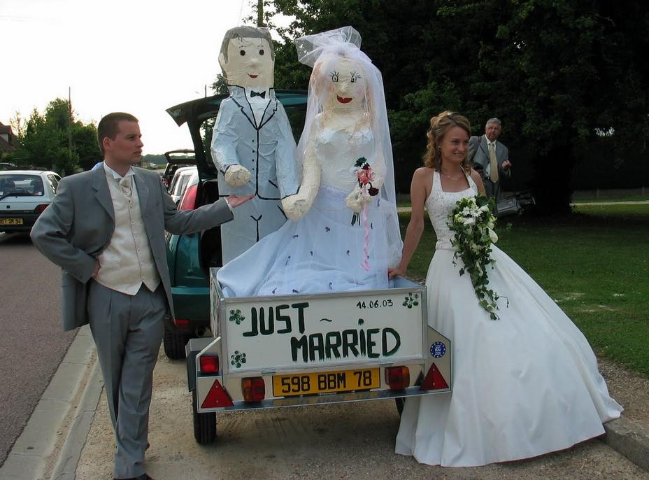 insolite déco mariage voiture humour