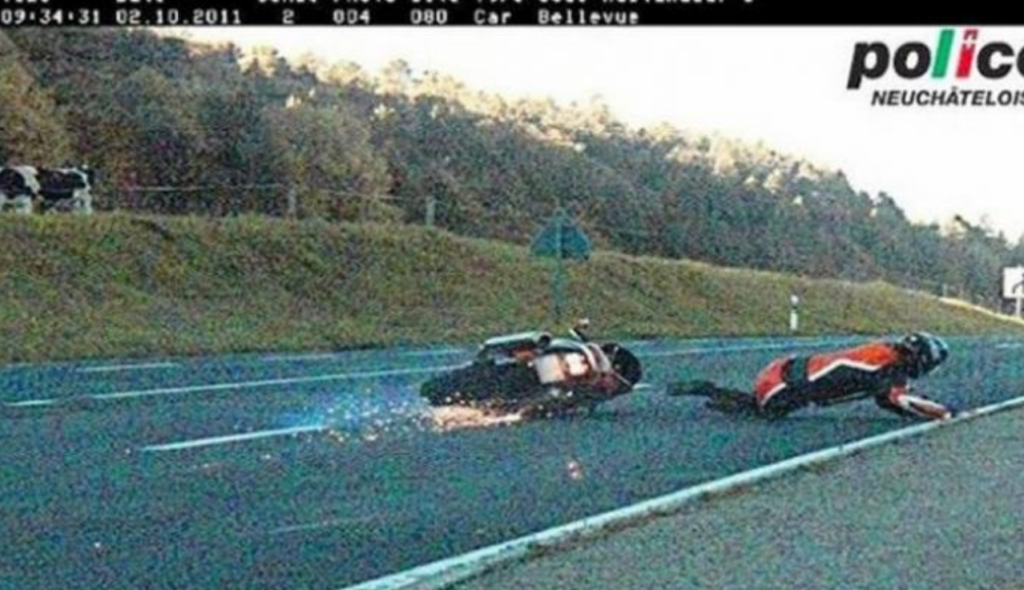 chute moto motard accident flash radar photo