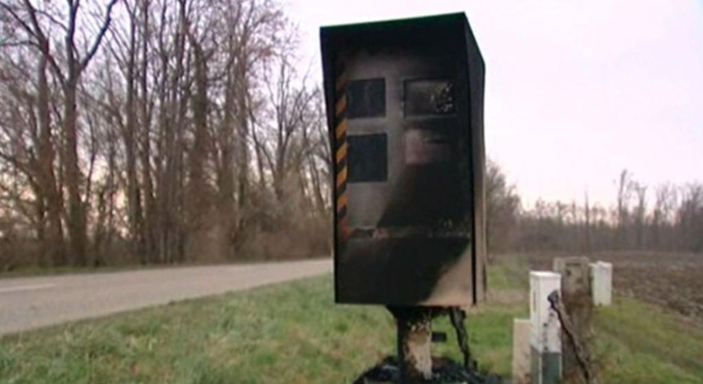 radar auto brulé vandalisme